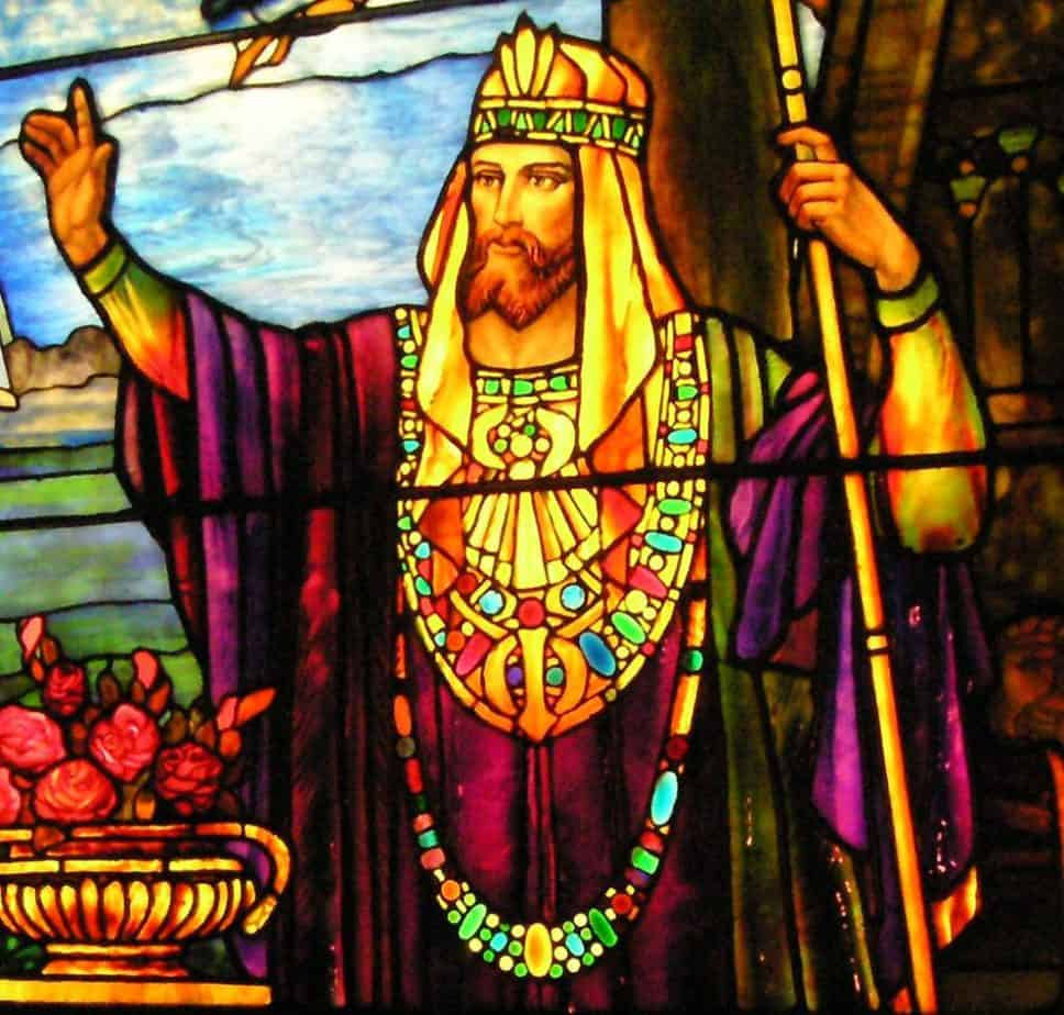 King solomon stained glass panel by Tiffany at the Navy Pier Chicago